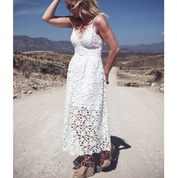 c9306ce438bd Astr Dresses   Skirts - ASTR The Label Lace Midi Dress